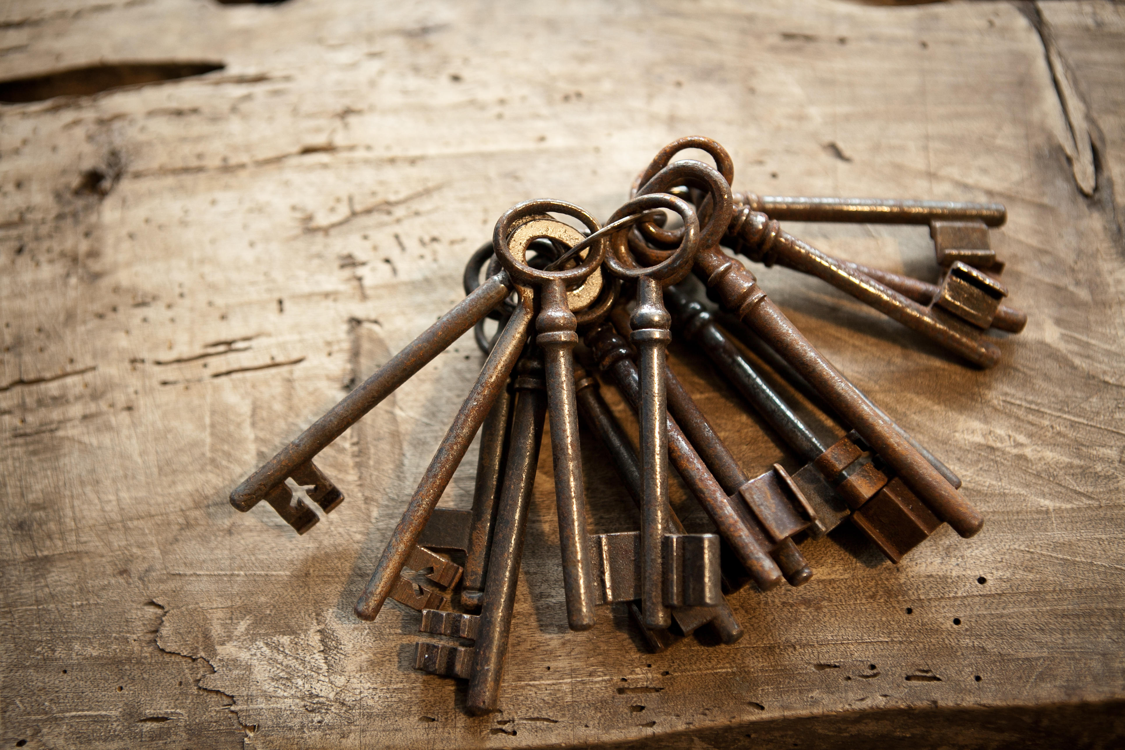old bunch of keys, rustiness