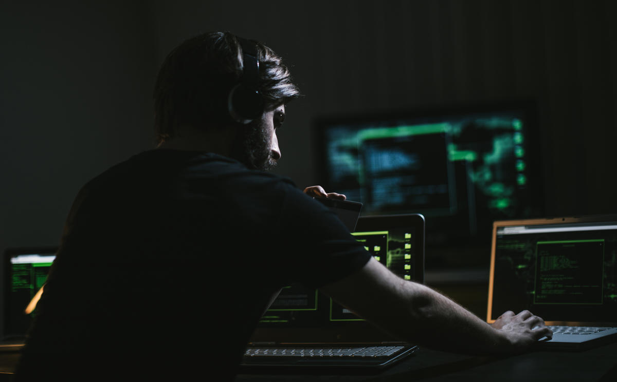 gettyimages-cyber-dude-laptops.jpg